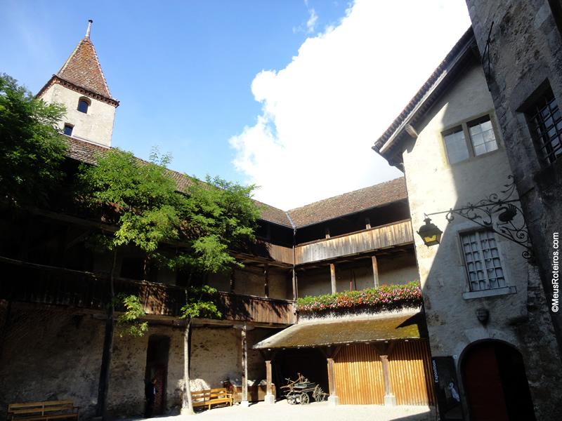 Pátio do Castelo de Gruyères