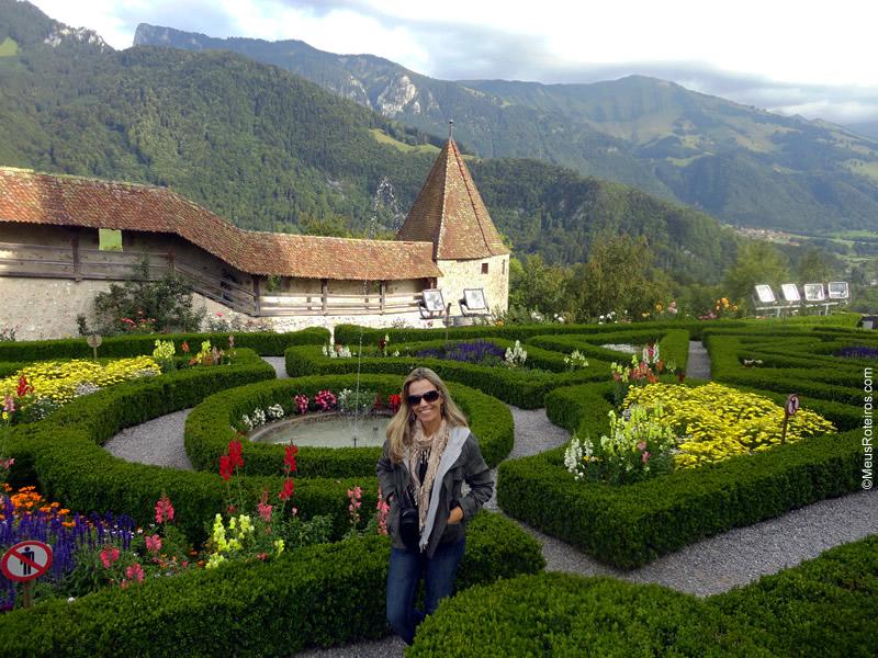 Marlise no Jardim do Castelo de Gruyères
