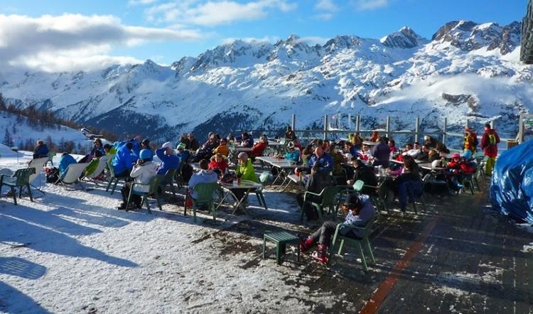 Grant Montet é pura diversão durante a temporada de ski