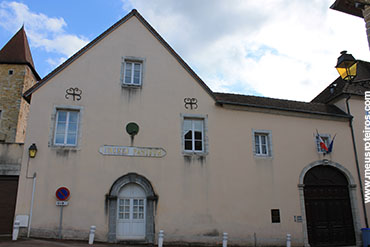 ... e o College Pasteur, que fica ao lado