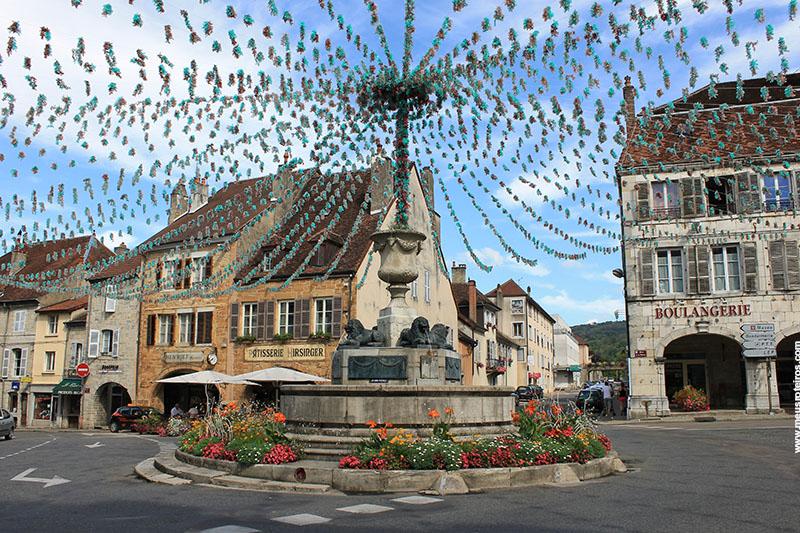 O centro da vila, onde estão a maioria dos restaurantes