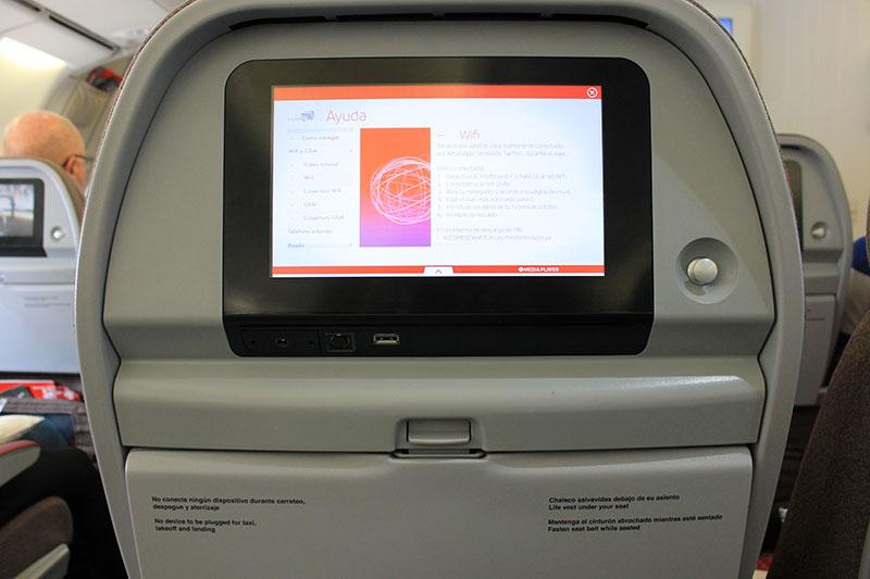 Tela de entretenimento do avião da Iberia