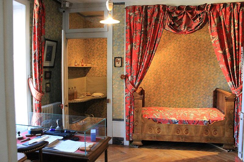 O quarto de Pasteur, logo ao lado do laboratório...
