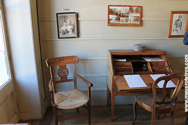 A escrivaninha usada por Pasteur...