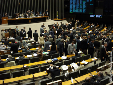 Sessão da Câmara no dia da aprovação do PL