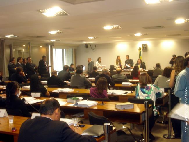 Sessão da Comissão de Constituição e Justiça do Senado, no dia em que o PLC foi aprovado