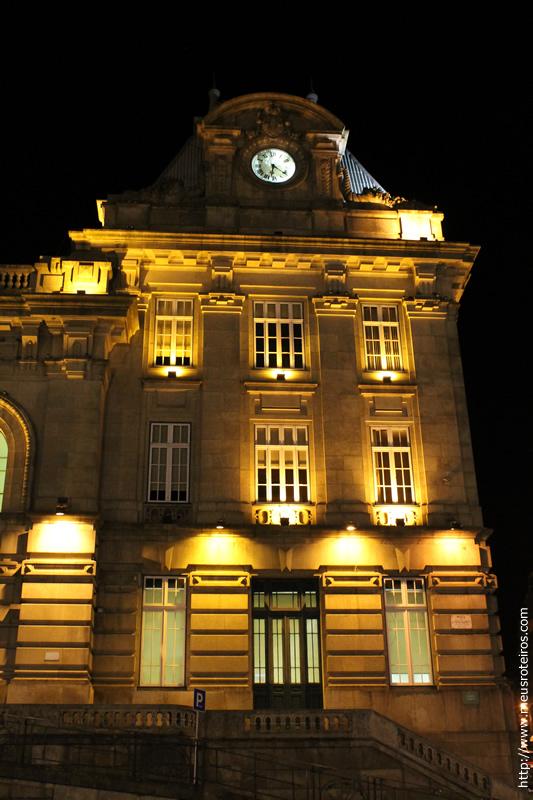 Detalhes da fachada da Estação de Trem São Bento