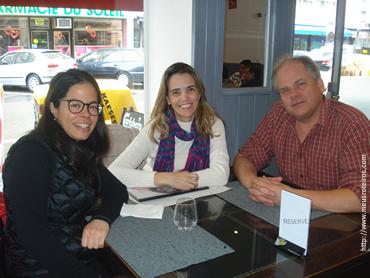Cecília, eu e David no Restaurante Chez Nous