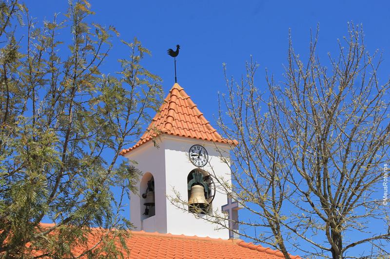 Trilha em Portugal: sino da Igreja