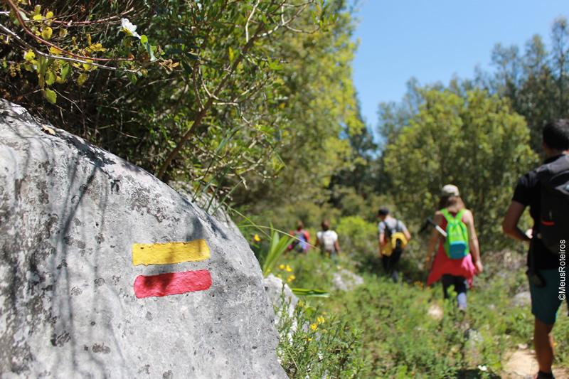 Portugal: marcas indicando o caminho da trilha