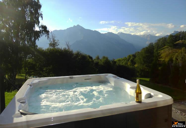Reserva de hotel (Banheira de hidromassagem com vista para a montanha)