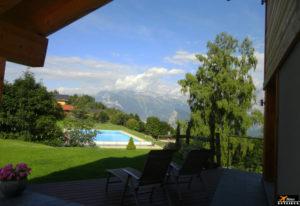 Reserva de hotel: vista de pousada na Suíça
