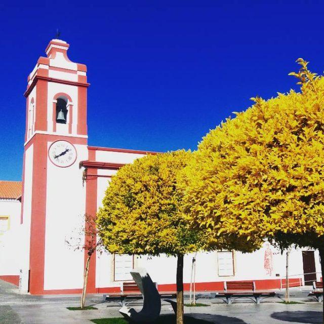 Grndola PortugalEnglish below Passeio de domingo Uma cidadezinha no meiohellip