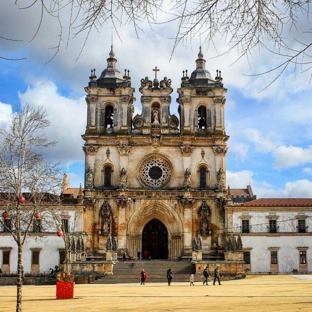 Mosteiro de Alcobaa Portugal English below Ontem visitamos mais umahellip